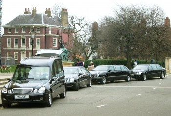 Should I Have a Funeral Procession? Pros and Cons of the Processional