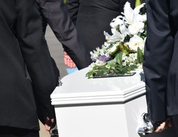 Choosing a Casket: Casket Features and Upgrades
