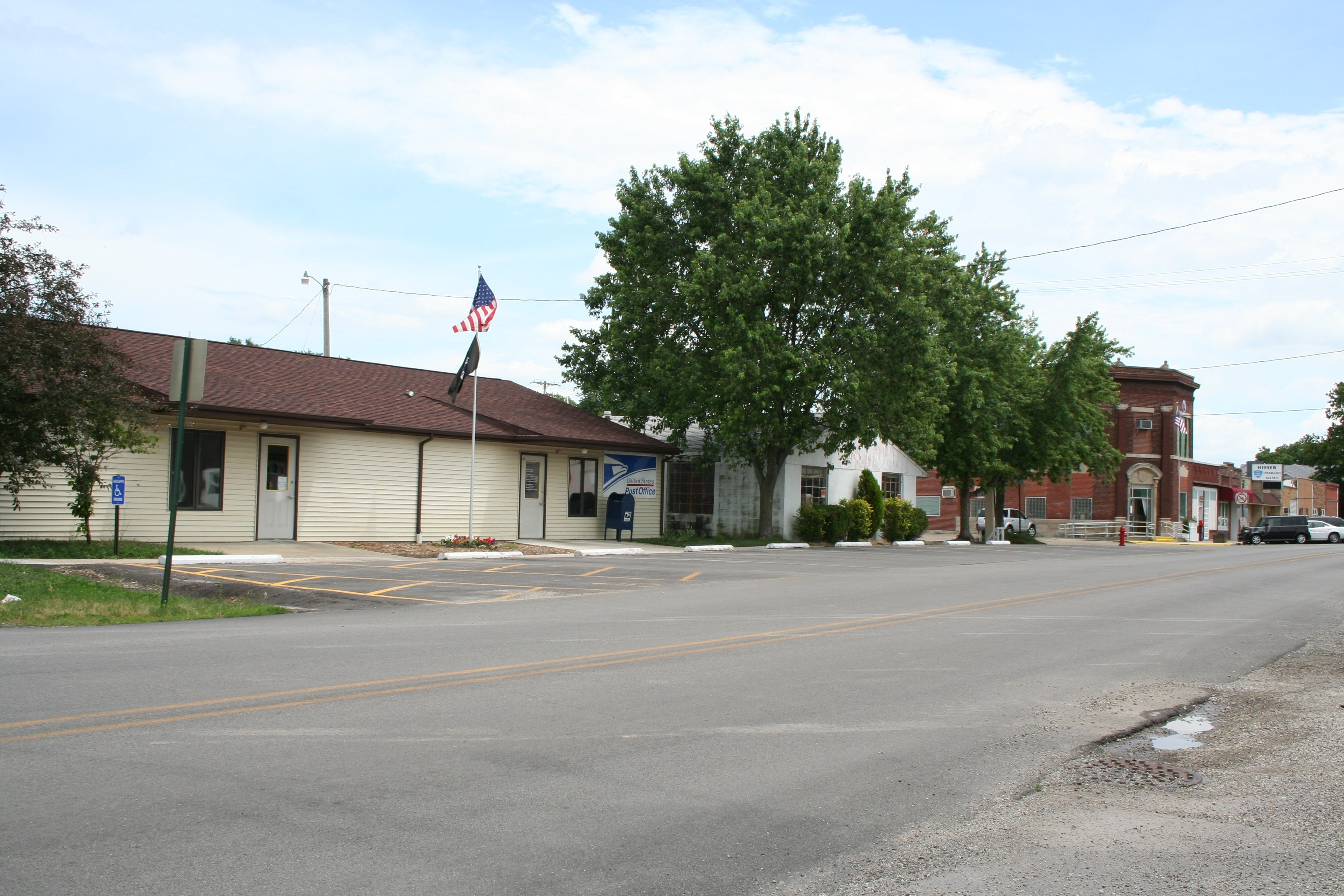 Ford City Champaign Il >> Fisher Funeral Homes, funeral services & flowers in Illinois