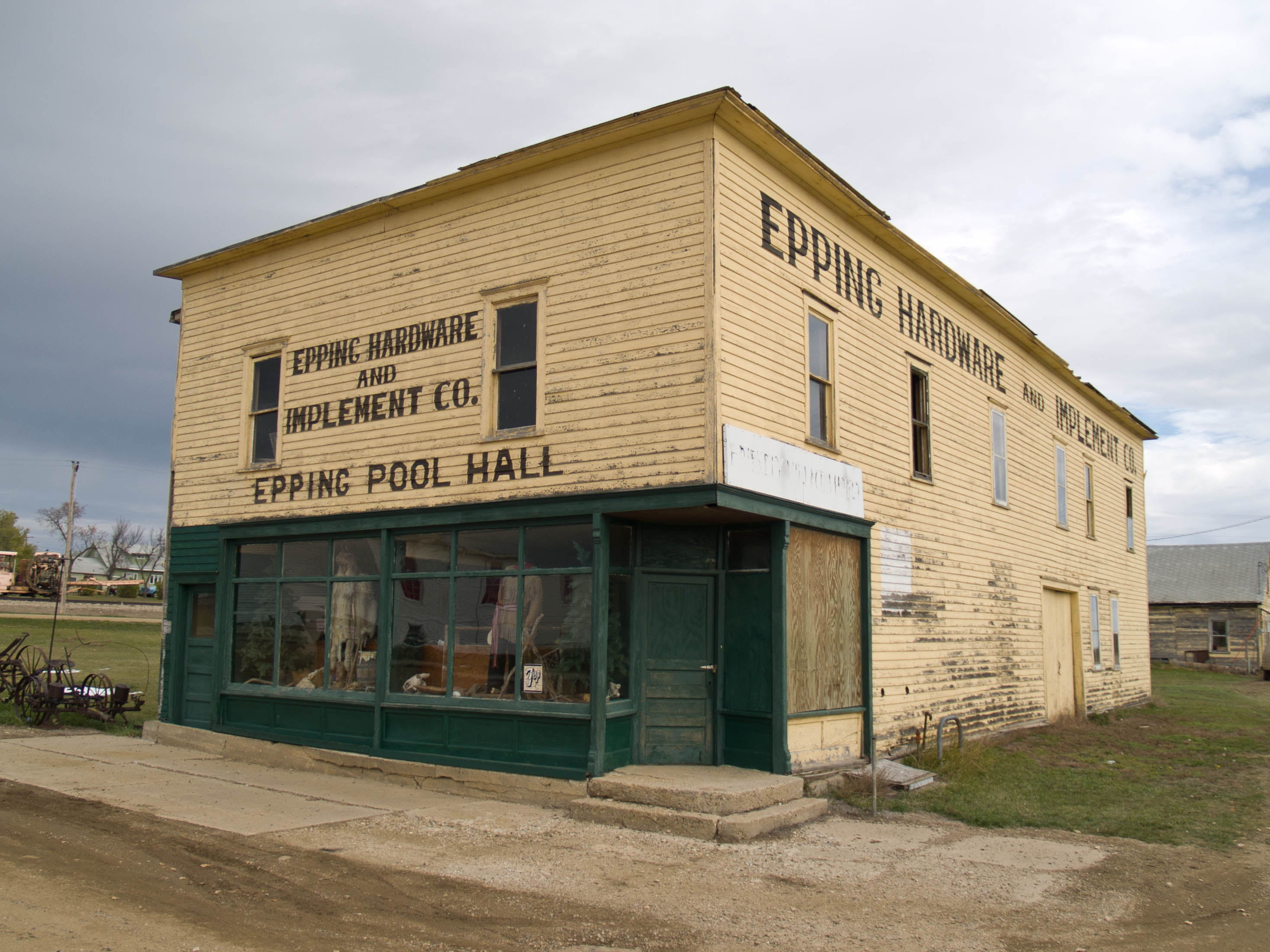 Epping funeral homes funeral services flowers in north for Home builders in north dakota