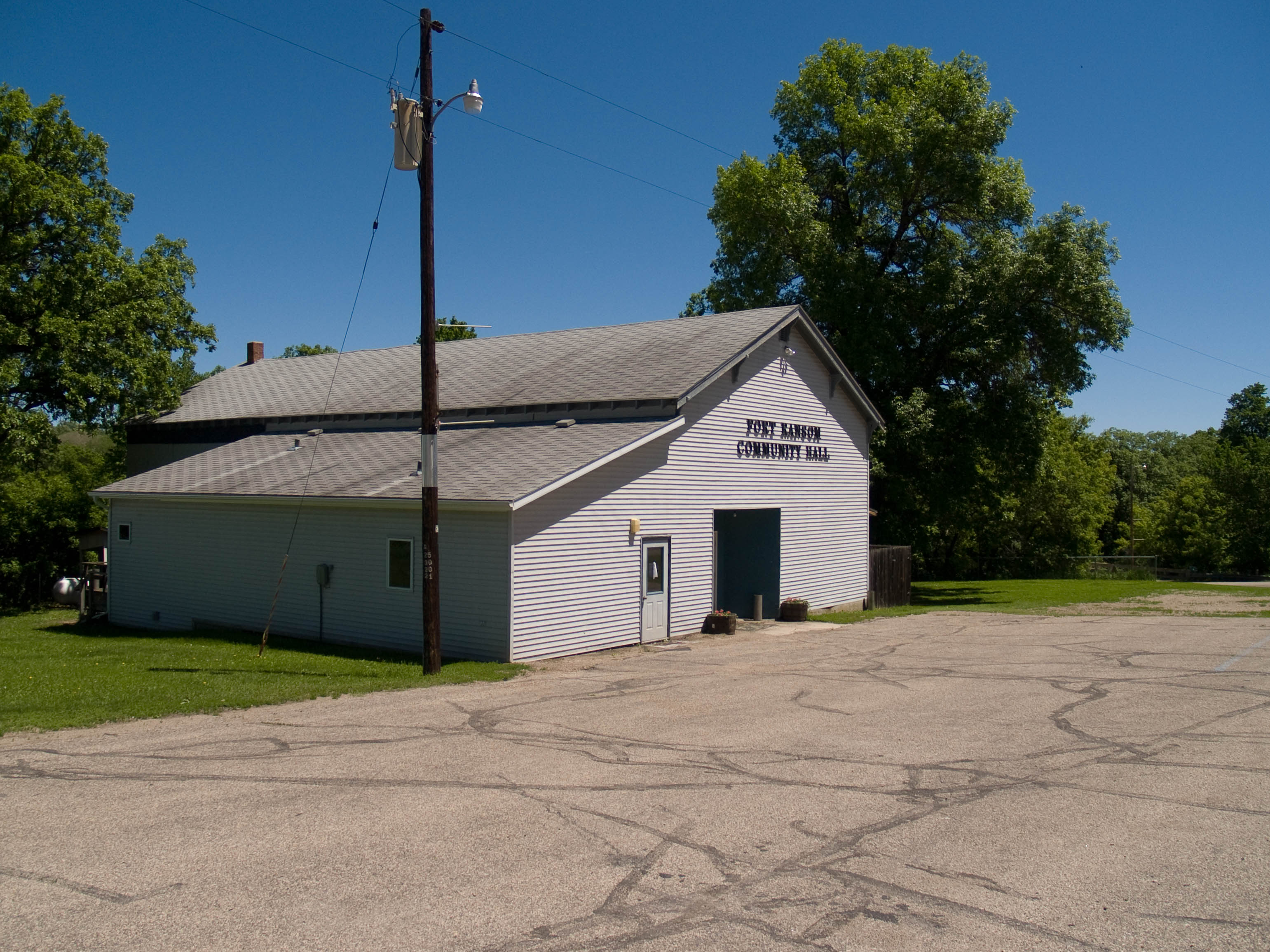 Fort ransom funeral homes funeral services flowers in for Nd home builders