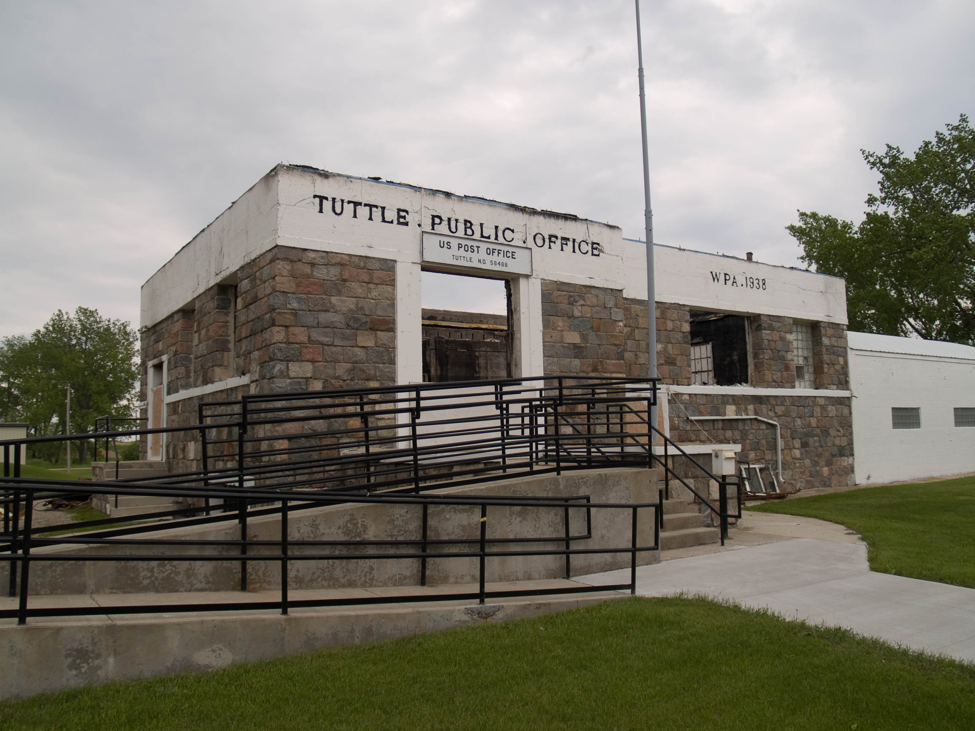 Tuttle funeral homes funeral services flowers in north for Home builders in north dakota