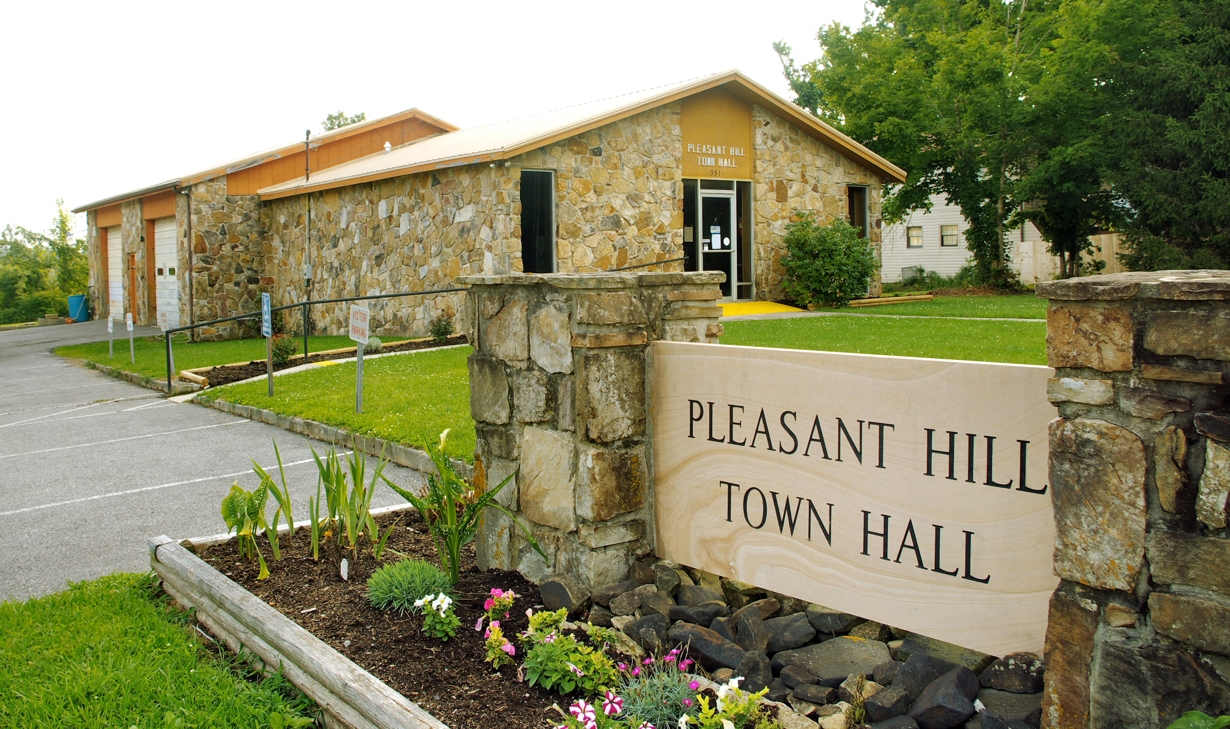 Pleasant Hill Funeral Homes Funeral Services Flowers In Tennessee