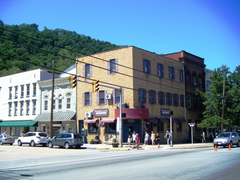 Berkeley springs funeral homes funeral services flowers for Home builders west virginia