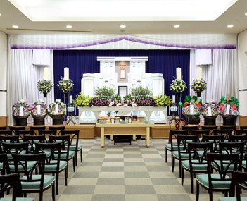 Minges Funeral Home offers funeral home and cemetery services in Harrison, OH.
