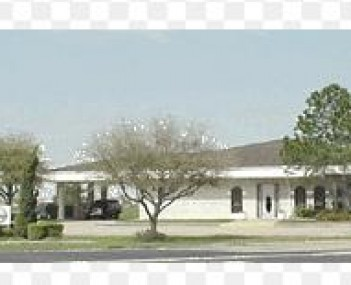 Exterior shot of Crowder Funeral Home