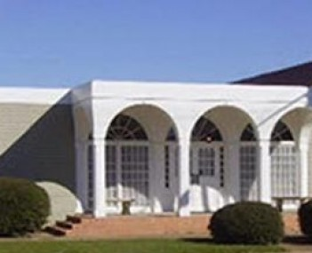Exterior shot of Herndon Funeral Home Incorporated