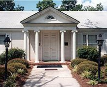 Exterior shot of Paulk Funeral Home