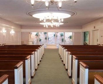 Interior shot of Washburn-McReavy - Northeast Chapel
