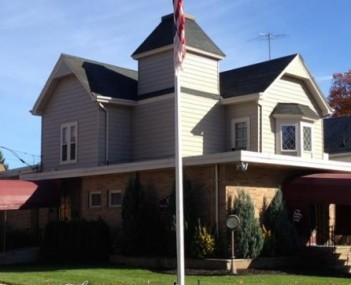 Exterior shot of Scarr Funeral Home Incorporated