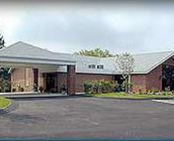 Exterior shot of Huntsman Funeral Home & Cremation Services