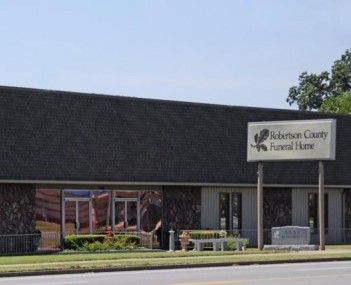 Exterior shot of Robertson County Funeral Home