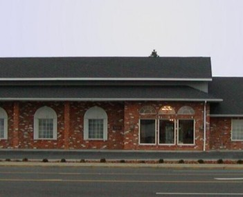 Exterior shot of Muellers Greenlee Funeral Home
