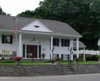 Exterior shot of Ralph Hull Funeral Home