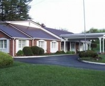 Exterior shot of Cravens Shires Funeral Homes Inc