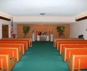 Interior shot of Lewis W Mohn Funeral Home