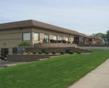 Exterior shot of Silva-Hostetler Funeral Home