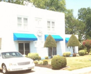 Exterior shot of Stephenson-Shaw Funeral Home