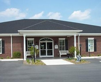 Exterior shot of Bladen Funeral & Cremation Service