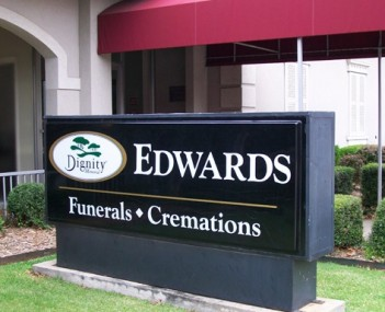 Exterior shot of Edwards Funeral Homes
