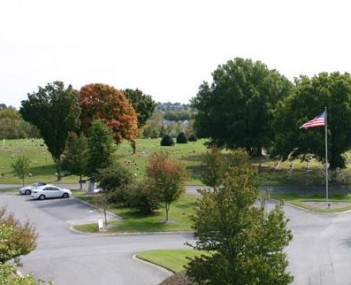 Exterior shot of Hendersonville Memory Gardens, Funeral Home & Cremation Center