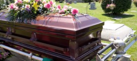Caskets: Should You Buy at The Funeral Home or Online?