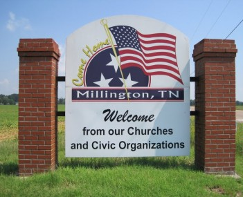Millington TN 02 welcome sign Singleton Pkwy