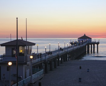 The Manhattan Beach Pier on a typical fall afternoon.