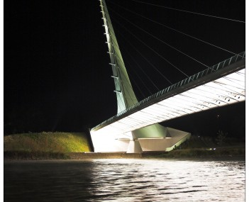 http://dbpedia.org/resource/Sundial_Bridge_at_Turtle_Bay