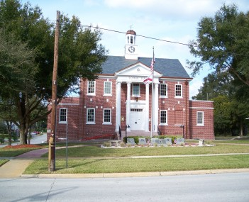 http://dbpedia.org/resource/Orange_City_Town_Hall