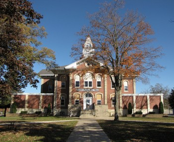 Howard County Courthouse in Cresco