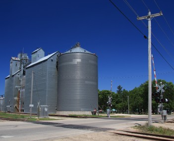 Grain elevator in Eyota.