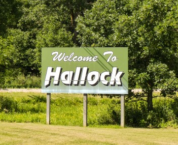 Hallock Minnesota welcome sign