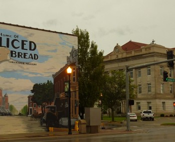 Livingston County Courthouse with mural depicting the community being the home of sliced bread.  The district around the courthouse is on the National Register of Historic Places.