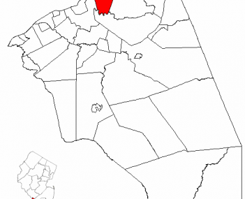 Florence Township highlighted in Burlington County. Inset map: Burlington County highlighted in the State of New Jersey.