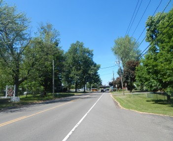 NY 270 through the hamlet of Getzville.