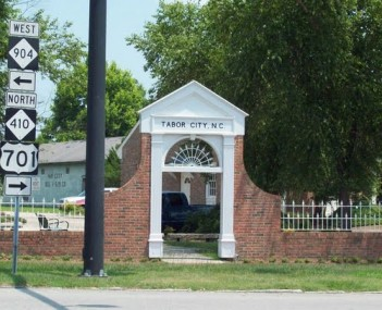 Tabor City NC Welcome Arch Jun 10
