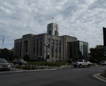 Franklin County Courthouse in Winchester