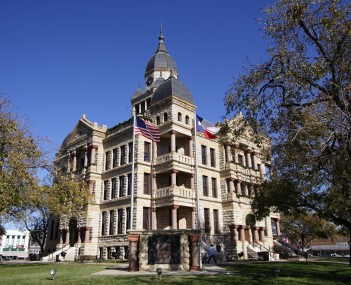 http://dbpedia.org/resource/Denton_County_Courthouse-on-the-Square