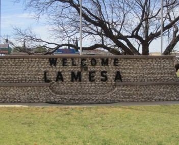 Lamesa welcome sign on U.S. Highway 87