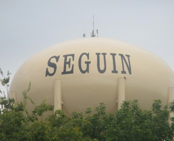 Water tower in Seguin