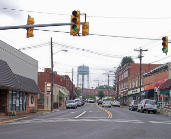 Main Street  in downtown Oak Hill in 2007